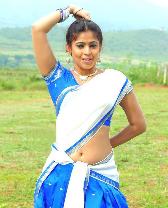 Sairabhanu Saree Below Navel Show Photos,masala saira banu saree blouse cute stills