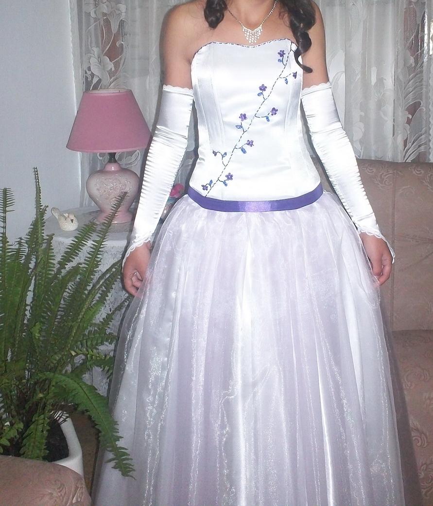 Vestido de 15 lila y blanco