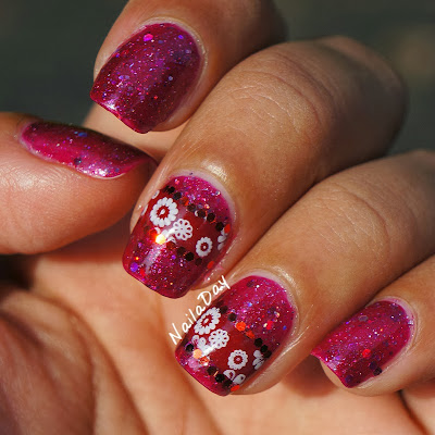 NailaDay: Red holo glitter franken with cut out stamp design