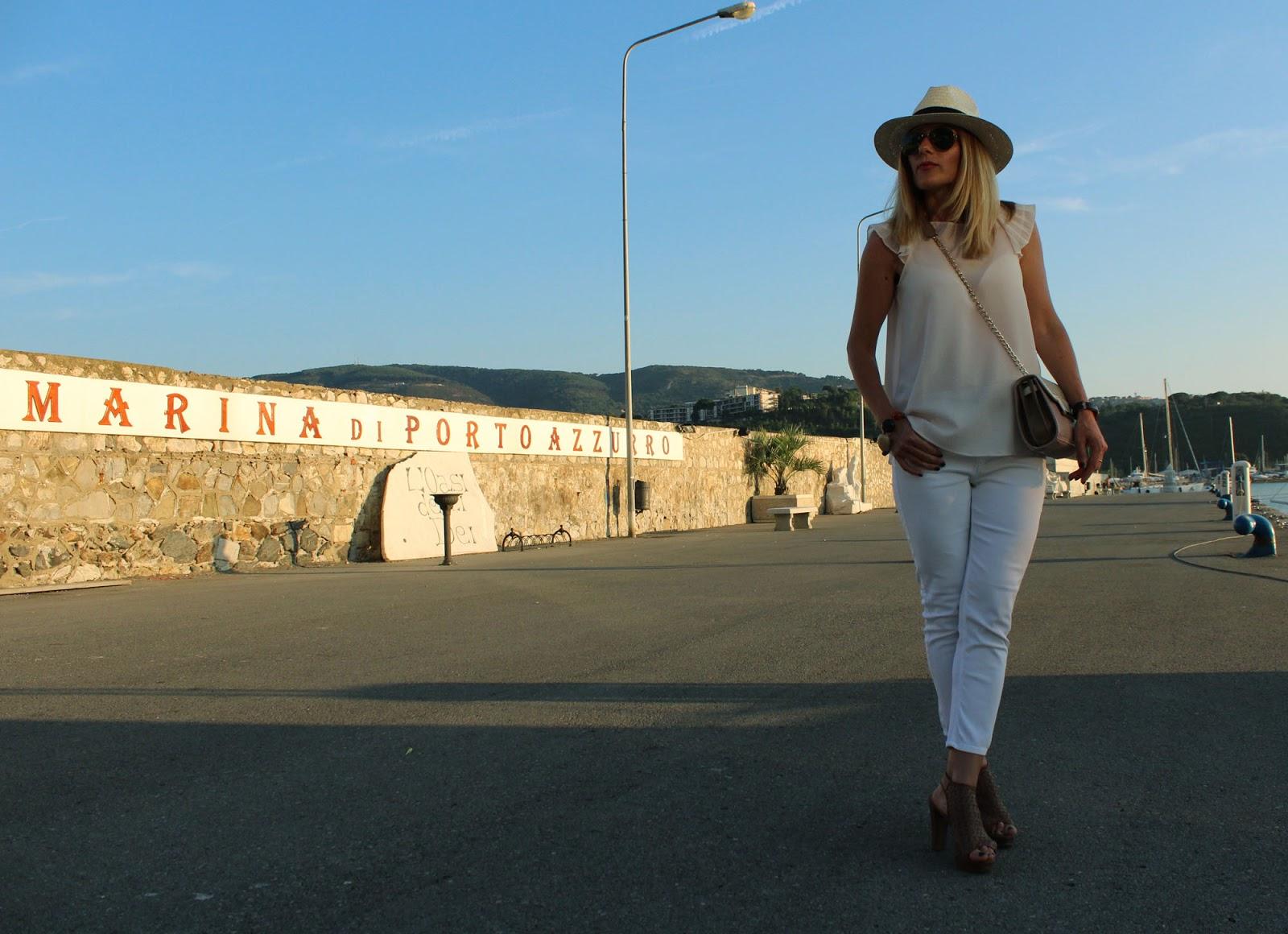 Eniwhere Fashion - Elba Porto Azzurro - Skinny jeans white and Panama Hat