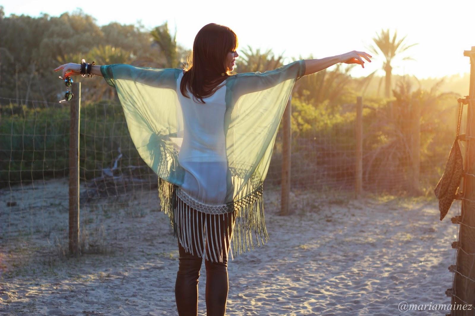 Atardecer - Hippie look - Caftan flecos - aires hippies - outfit verano 2015 - fashion blogger - blogger alicante