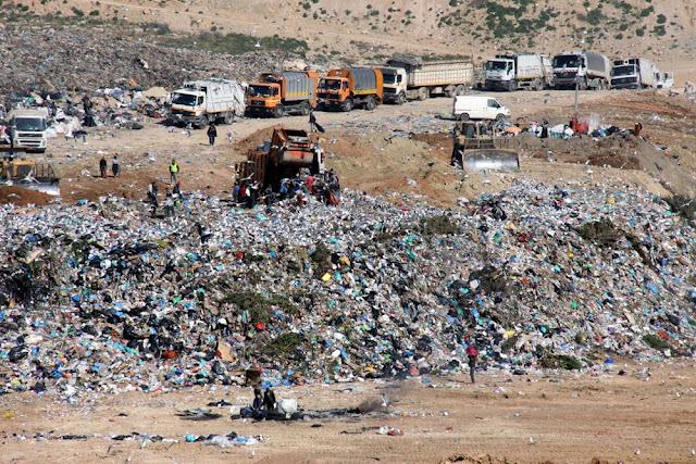 Στον «εθνικό εργολάβο» τα σκουπίδια