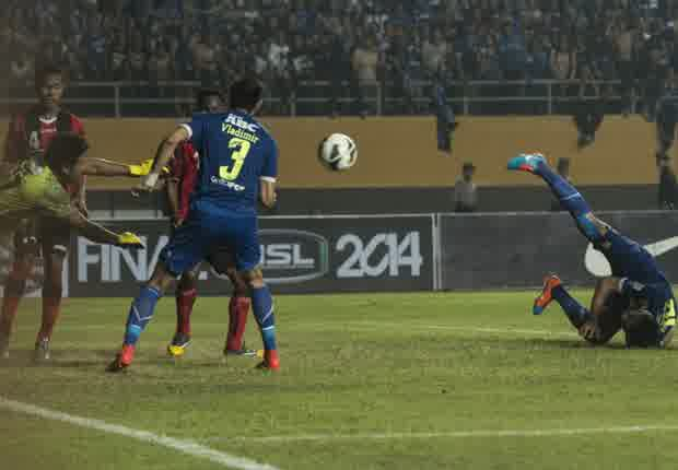 Gambar pertandingan final Persib-Persipura