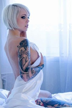 Bottom Tattoos – The Sexiest Bottom And Abate Designs For Women