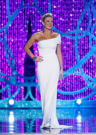 the gown mallory hagan miss new york and the new miss america wore a one shoulder white jersey gown it was simple elegant and one of my favorites
