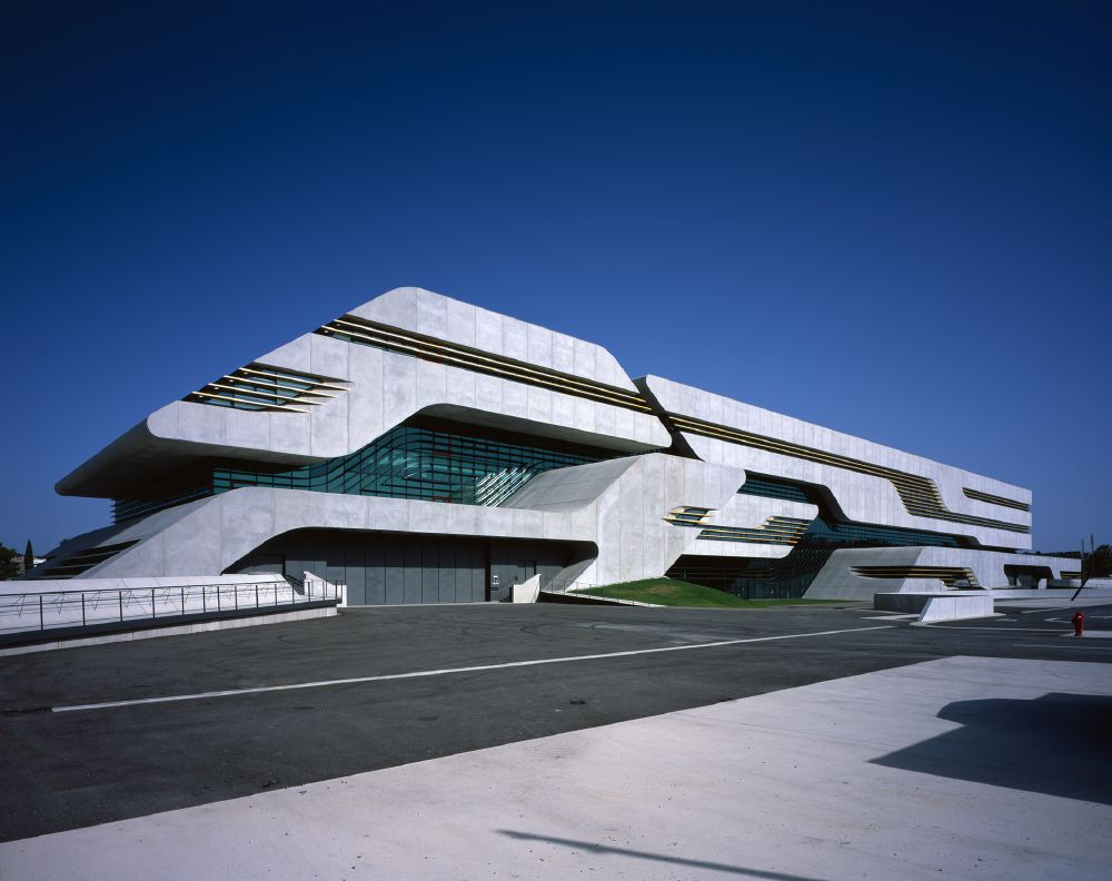 Architectureweek people and places zaha hadid architects for Architecture zaha hadid