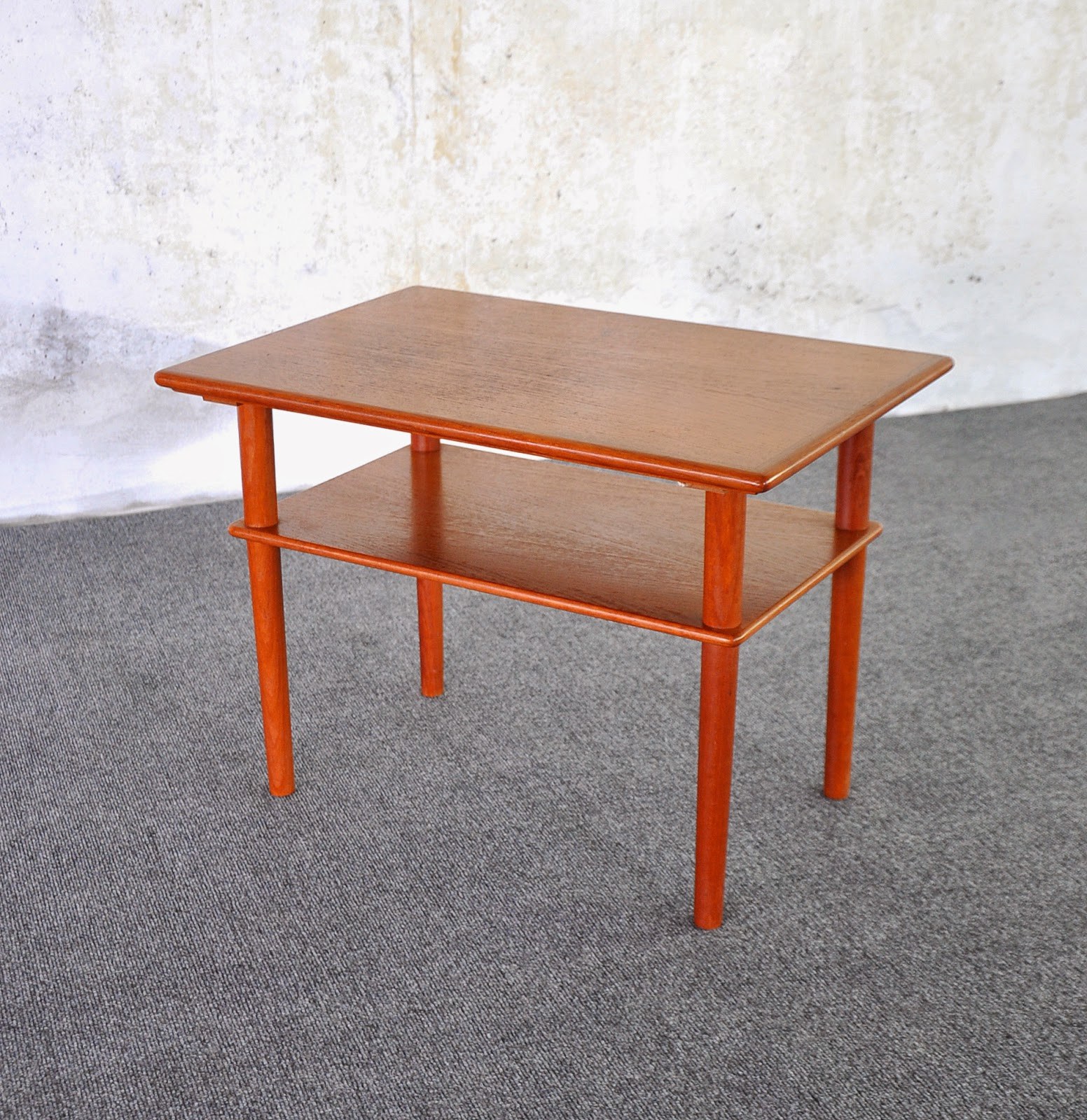 SELECT MODERN Danish Modern Teak Side End Table Or Nightstand