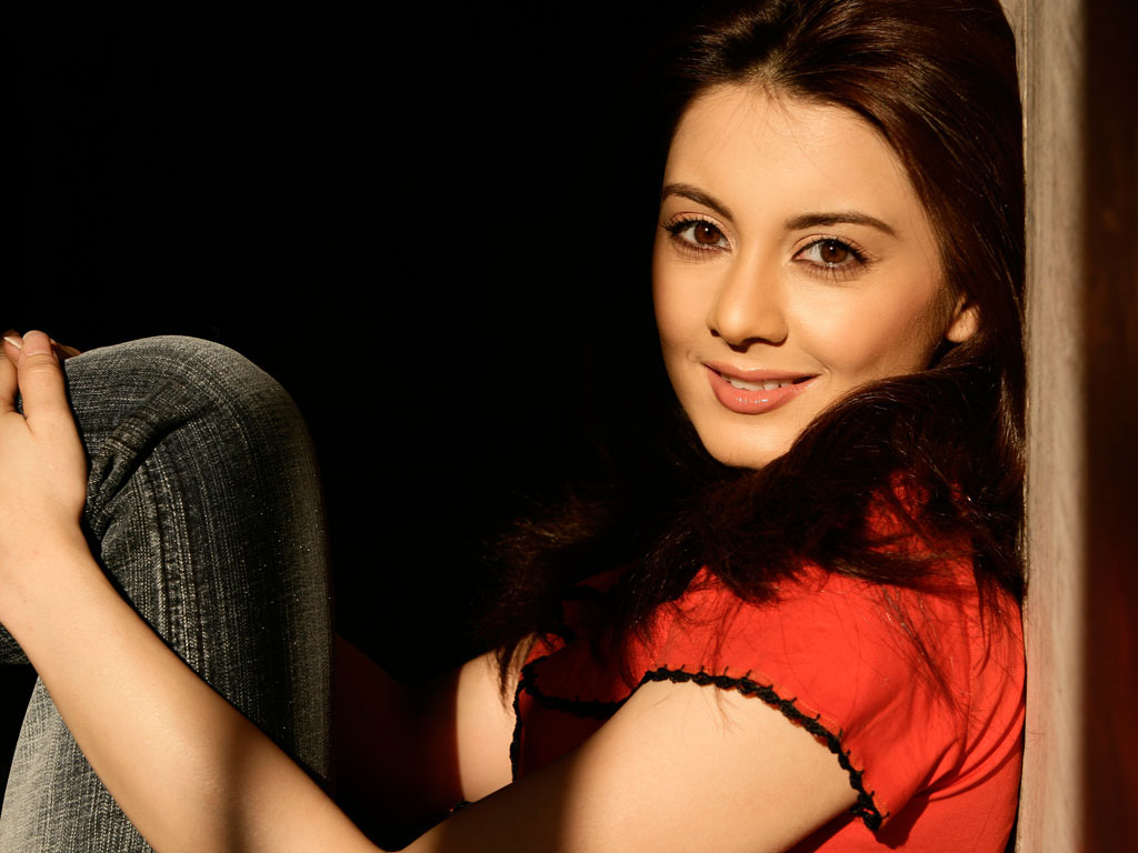 abstract wallpaper: latest minissha lamba hot wallpapers