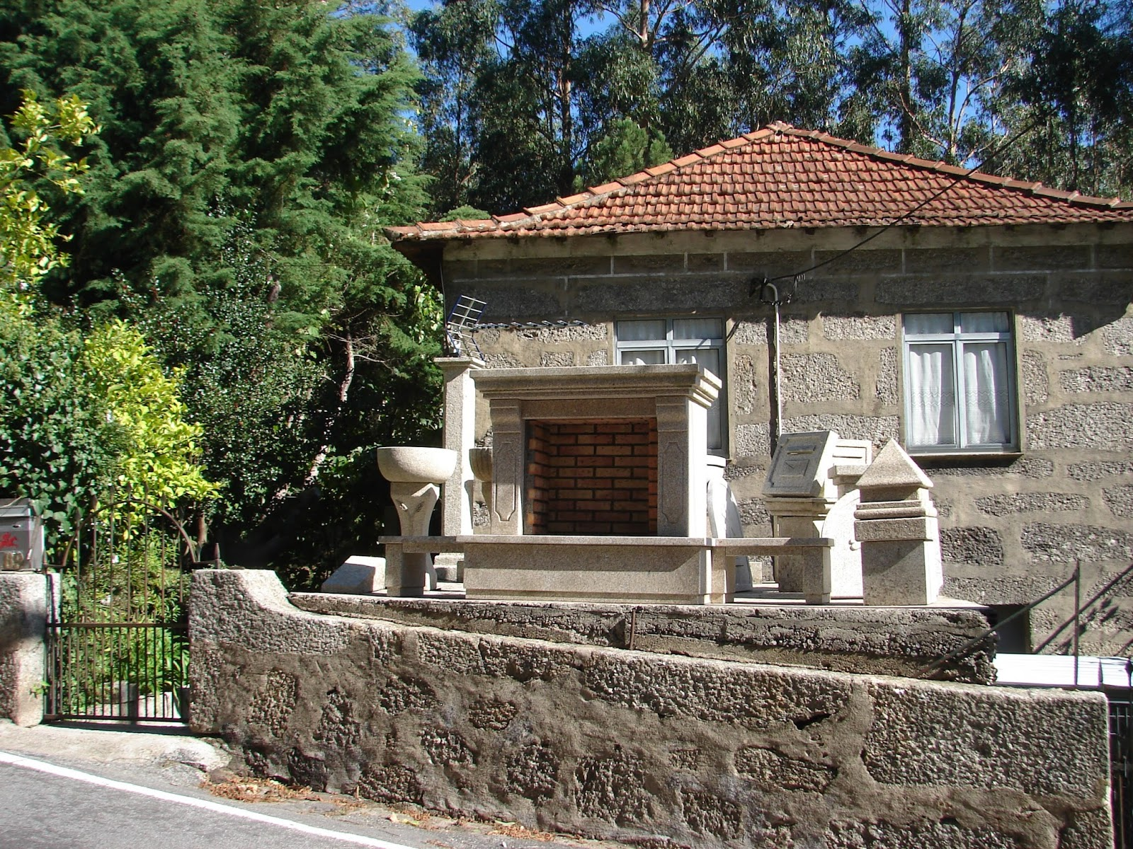 BREATHTAKING: Granite for Good Fences