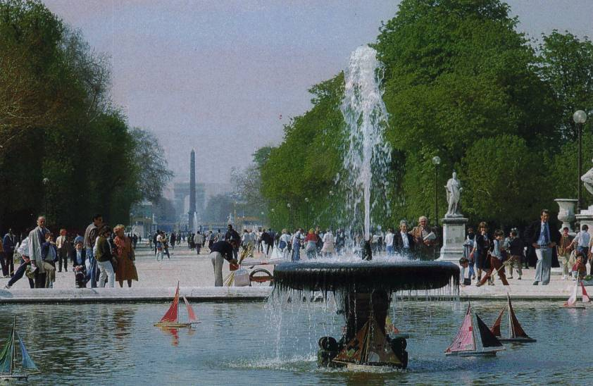 A stroll through the historic tuileries gardens paris for Tuileries jardin