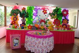 DECORACIÓN CON GLOBOS Y TELAS CON HELLO KITTY decoracionesparafiestasinfantiles.blogspot.com