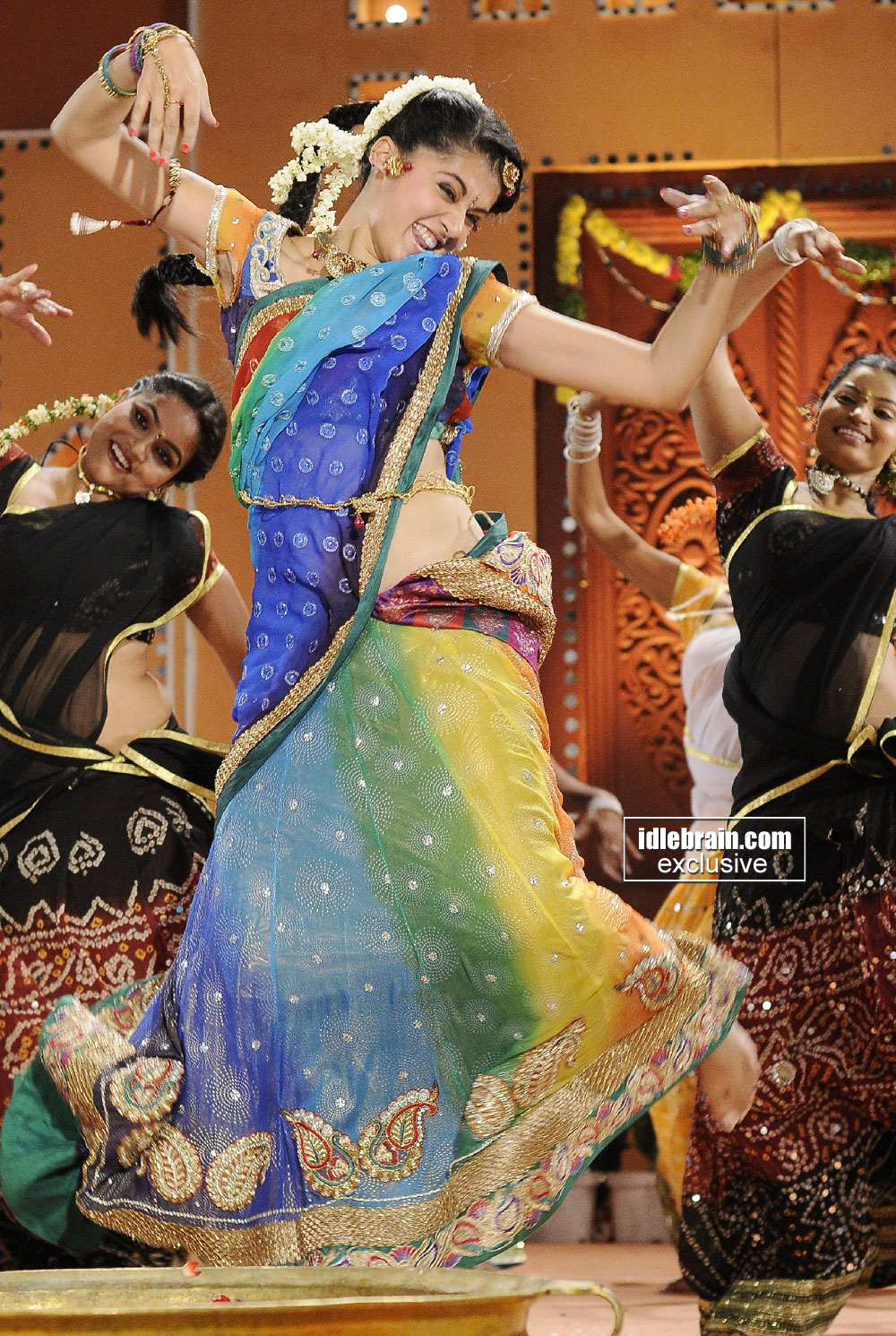 , Tapsee Pannu Dancing In Colorful Saree