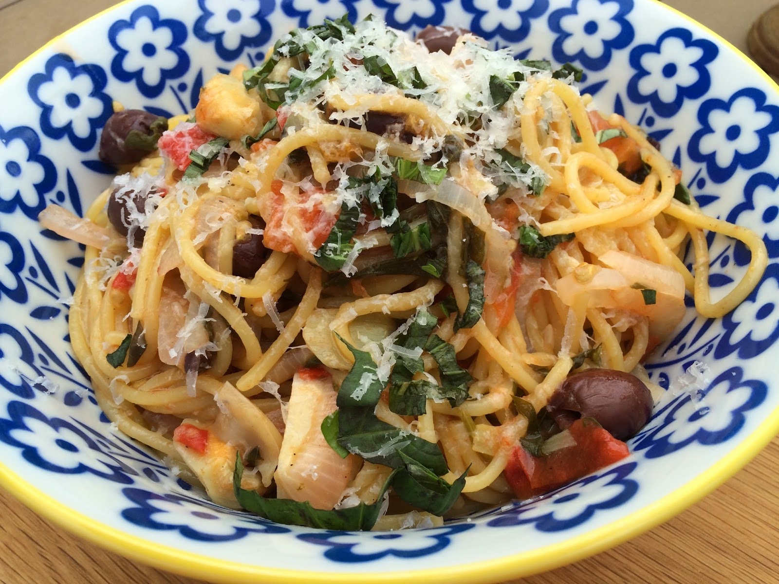 One Pot Pasta: Tomato and Basil Spaghetti