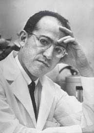 Biografi Jonas Salk - Penemu Vaksin Polio Pertama