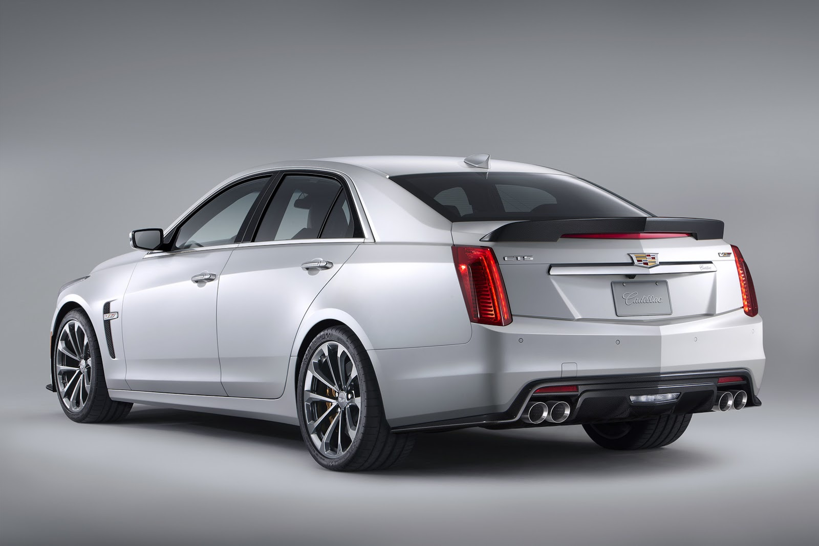 new 2016 cadillac cts v has 640hp supercharged v8 reaches 200mph carscoops. Black Bedroom Furniture Sets. Home Design Ideas