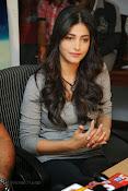 Shruti Haasan Gorgeous Photos at Yevadu Success Meet-thumbnail-4