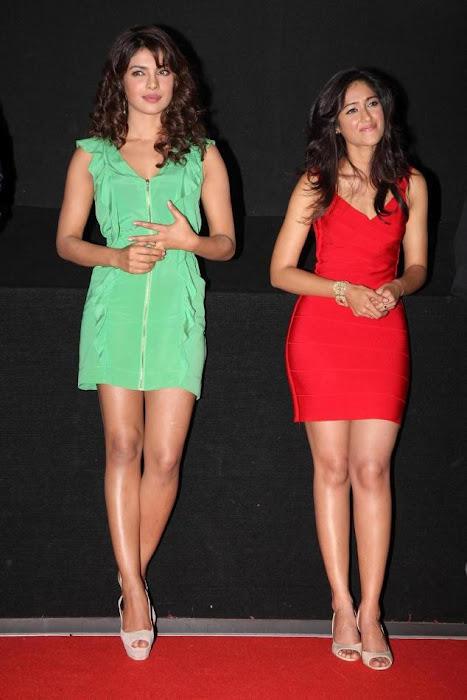 """priyanka chopra, ileana at """"barfi"""" trailer launch actress pics"""