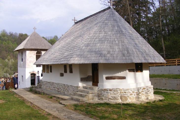 Sfintirea bisericii Grusetu din Comuna Costesti, judetul Valcea, de Izvorul Tamaduirii, 29.04.2011
