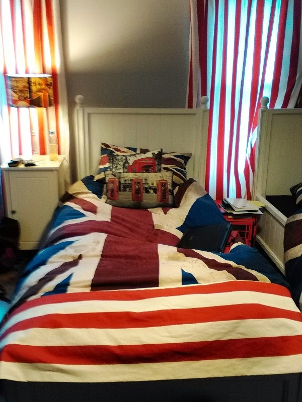 Union jack bedding, curtains and lampshade