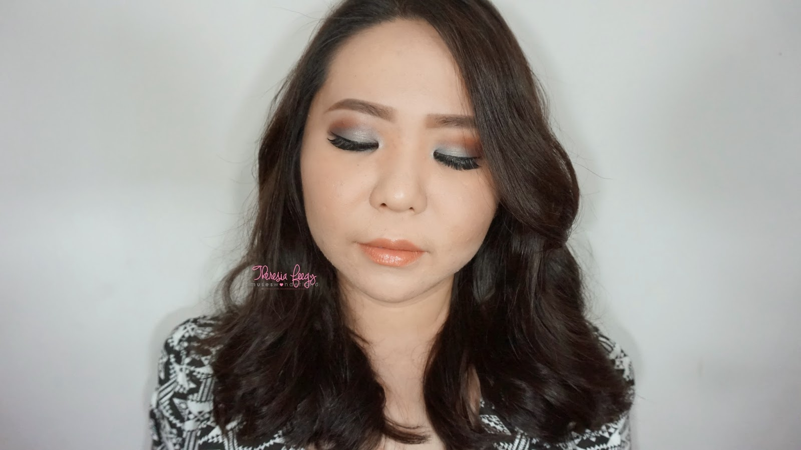 A natural silver with a warm brown for a day to day basis. Products used are coastal scent 120 palette, nyx jumbo eye pencil in milk, lavie lash, anastasia beverly hills on the brow, makeover in everlasting kiss, sleek face form in light, sariayu and kji & co tokyo.
