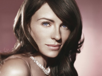 British Actress Elizabeth Hurley HD Wallpaper