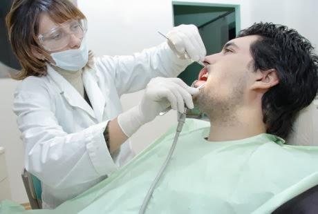 Cara Mengatasi Pendarahan Setelah Cabut Gigi