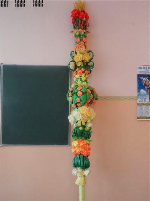 palma wielkanocna dużych rozmiarów przygotowana na konkurs