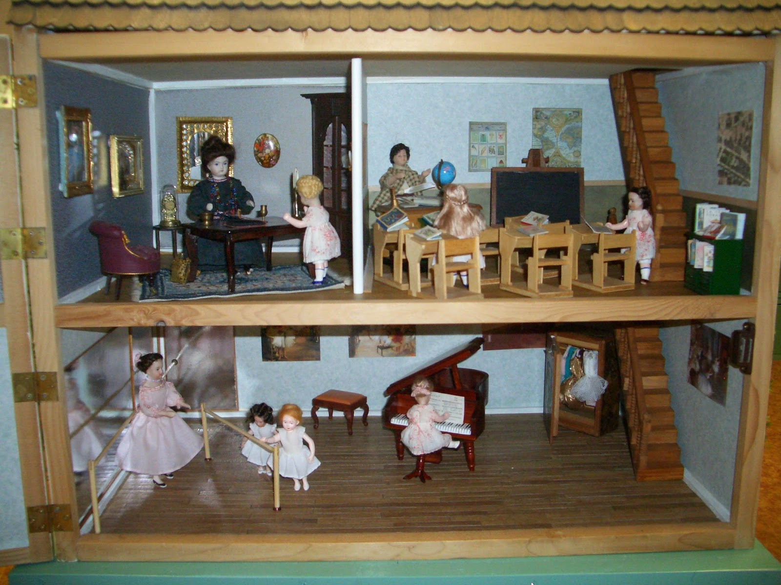 Cestina s dolls houses That Old House in Paris Chapter Two