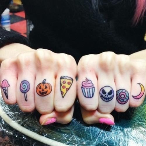 Oficjalny blog zuzanny boruckiej dzisiaj robi tatua e for Finger tattoo tumblr