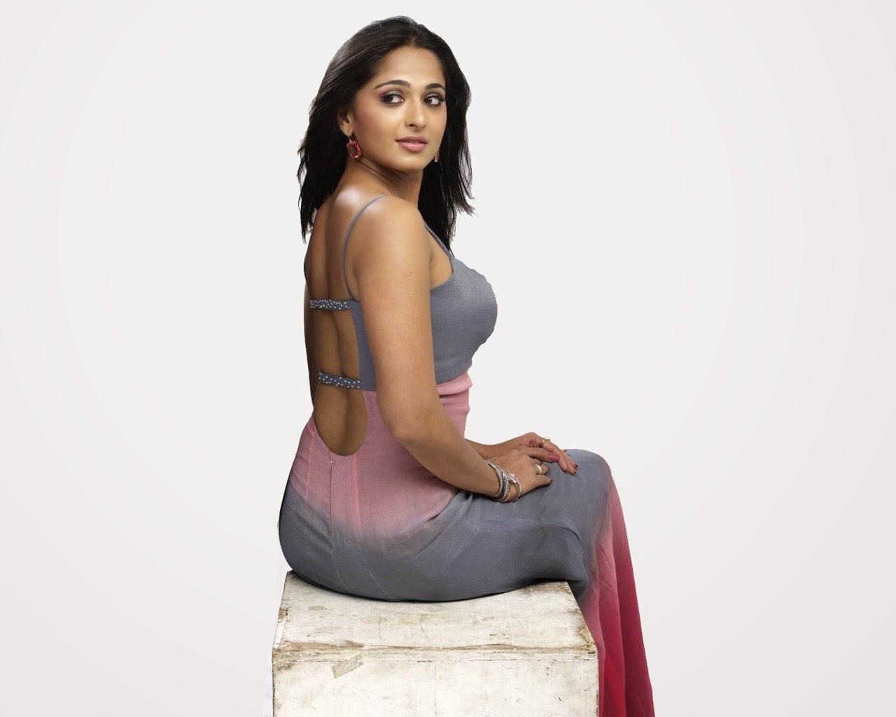 Anushka shetty back pose hot actress wallpapers