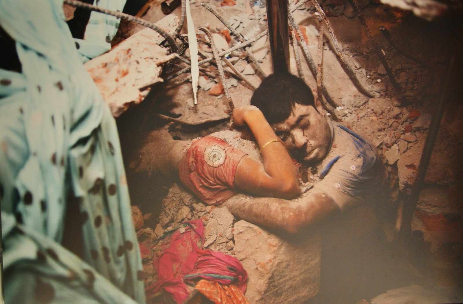 World Press Photo Contest Exhibit in Toronto, Photography, Art, Artmatters, culture, global, ontario, canada, the purple scarf, melanieps, brookfield place, allan lambert galleria, third prize, spot news singles, taslima akhter, bangladesh, building, collapse, rana plaza, savar, victims
