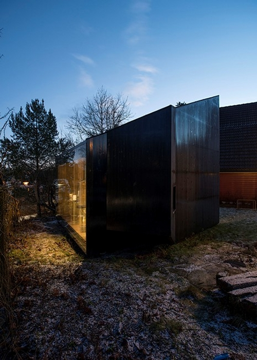 10-JVA-Micro-Architecture-with-the-Writer-s-Cottage-www-designstack-co