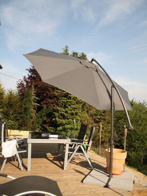 unser liebevoller haus und gartenblog ampelschirm von siena garden. Black Bedroom Furniture Sets. Home Design Ideas
