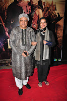 Amir Khan,  Raj Babbar & other at Premiere of 'Issaq' gallery