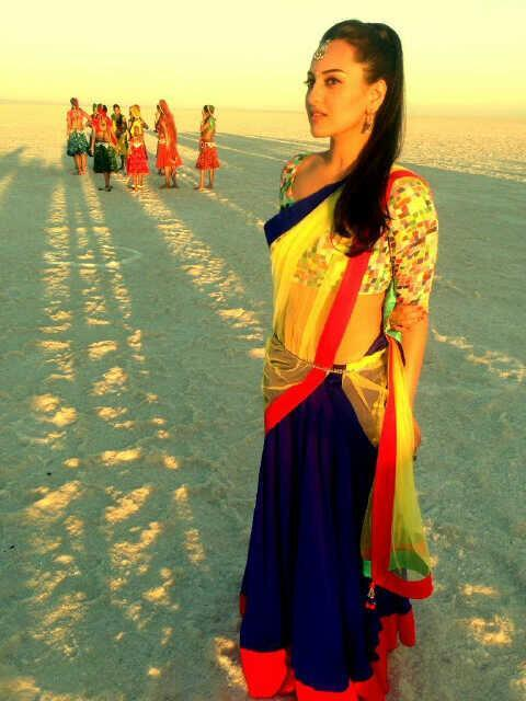 Sonakshi Sinha looking in Desi style at Rambo Rajkumar