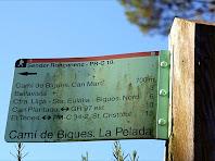Indicador del Camí de Bigues. La Pelada. Autor: Carlos Albacete
