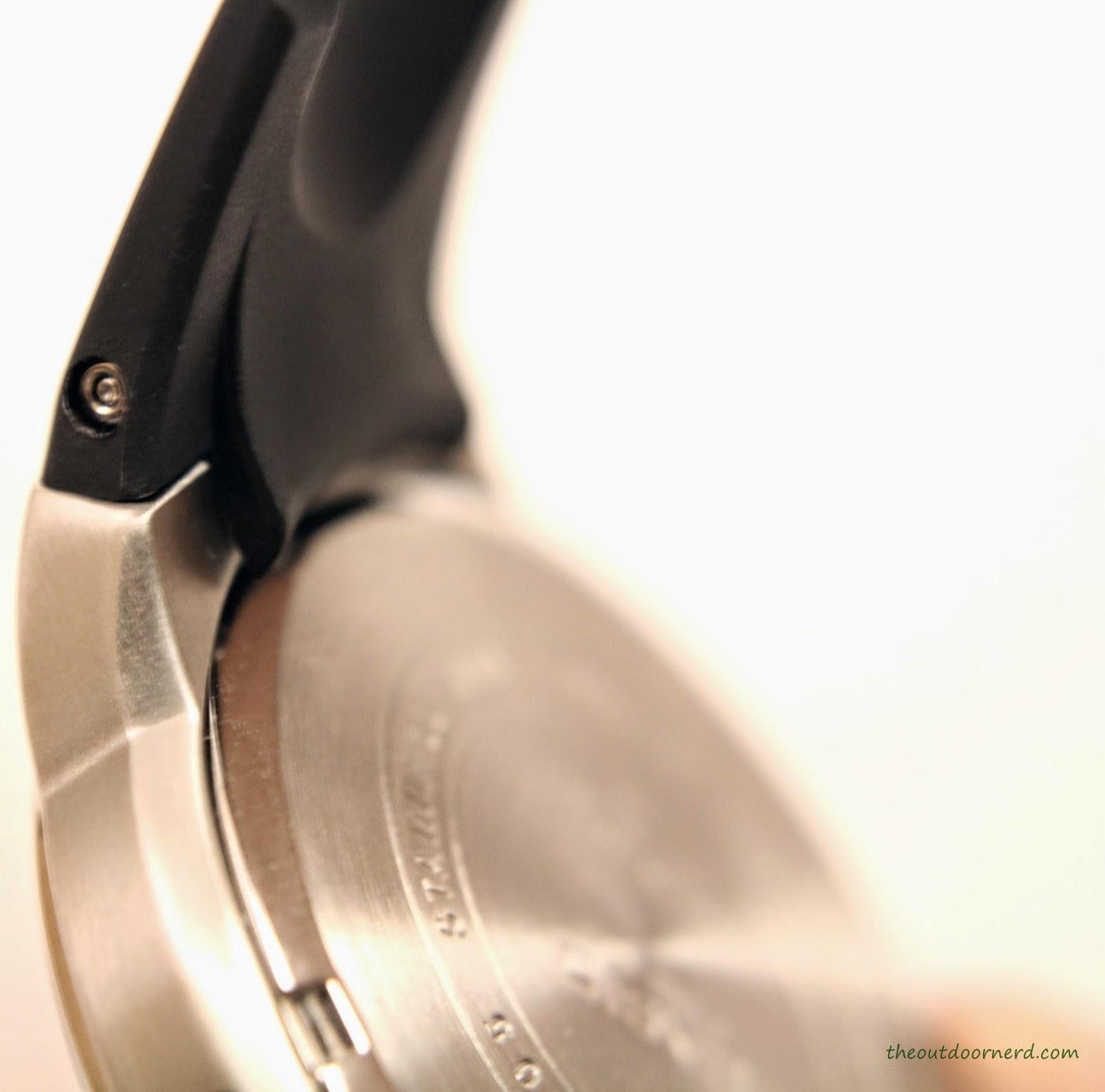 Casio Men's EF305-1AV Edifice Case Back