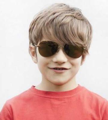model rambut panjang dengan poni untuk anak laki-laki 2658794