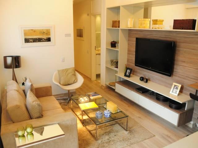 Rack Para Sala De Tv Pequena ~ Sofá, poltrona, mesa de centro, rack e painel Muitos móveis em