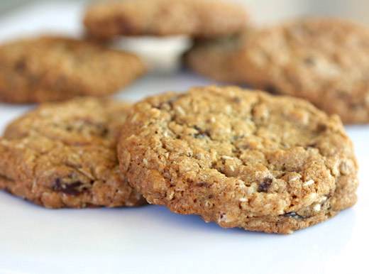 lisa is cooking: Oatmeal Chocolate Chunk and Coconut Cookies