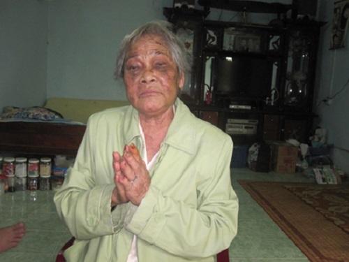 """Gia Lai: Mẹ già chắp tay van xin nhà nước bắt """"thằng con nghịch tử"""""""