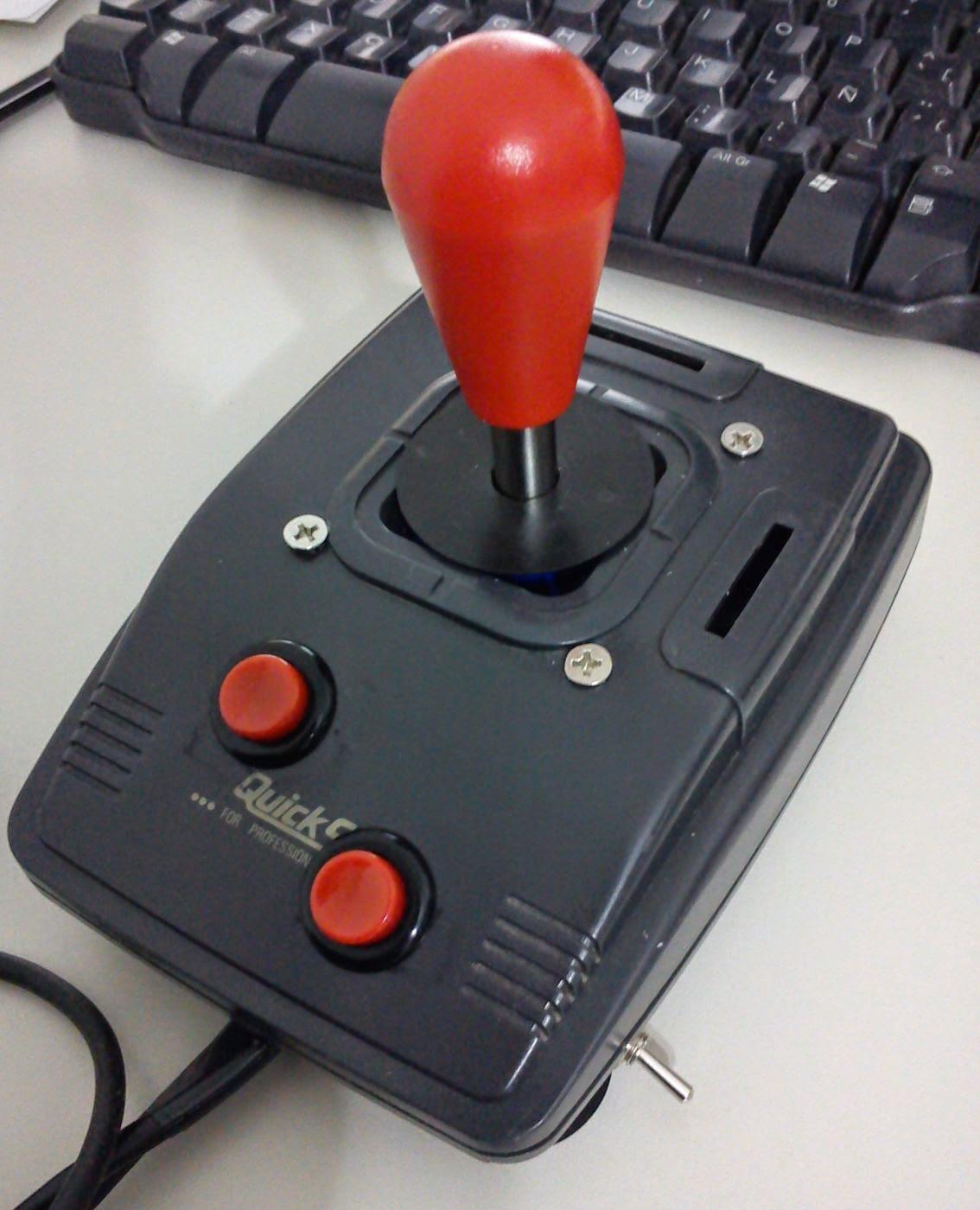Mini mando arcade para C64
