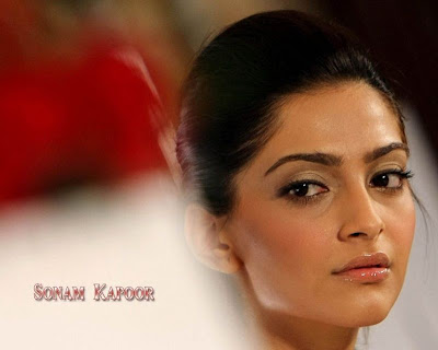 Sonam Kapoor Glamour Wallpaper in Players