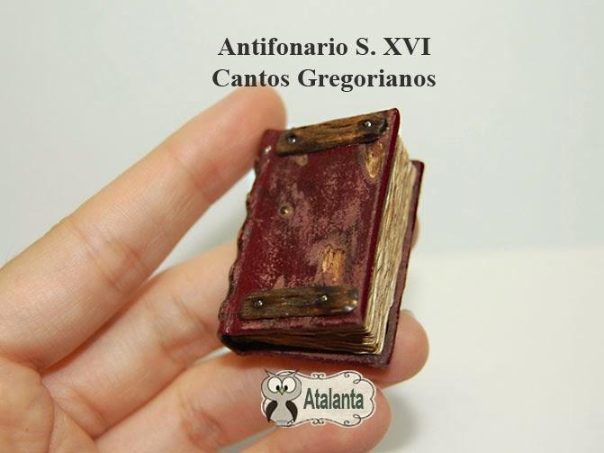 Miniature Book. Libro miniatura Cantos Gregorianos.