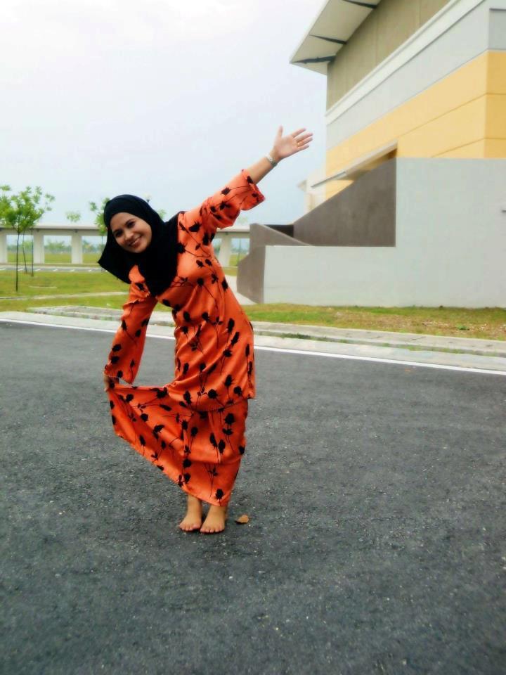 Malay Girl Sjfunland Full Hot In Baju Kurung Rainpow