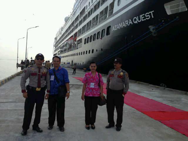 Kapal Pesiar Azamara Quest Bersandar di Pelabuhan Celukan Bawang Buleleng