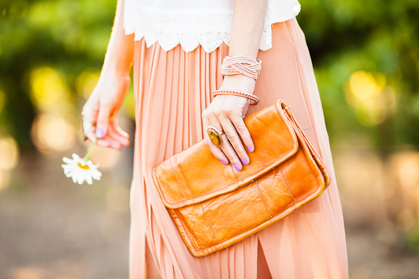 Savvy+Spice+Fashion+blog,+leather+clutch,+pleated+maxi+skirt,+Dale+Janee+Steliga
