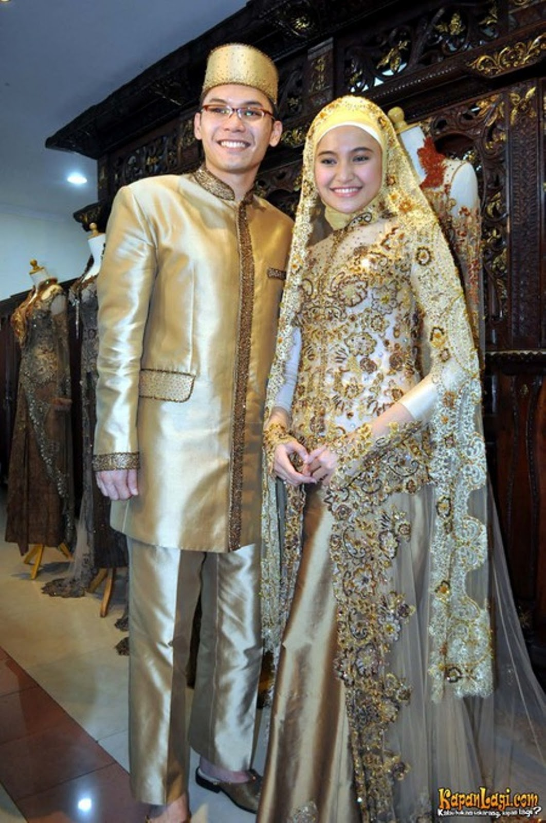 1000 images about indonesian wedding collections on Baju gamis kebaya couple