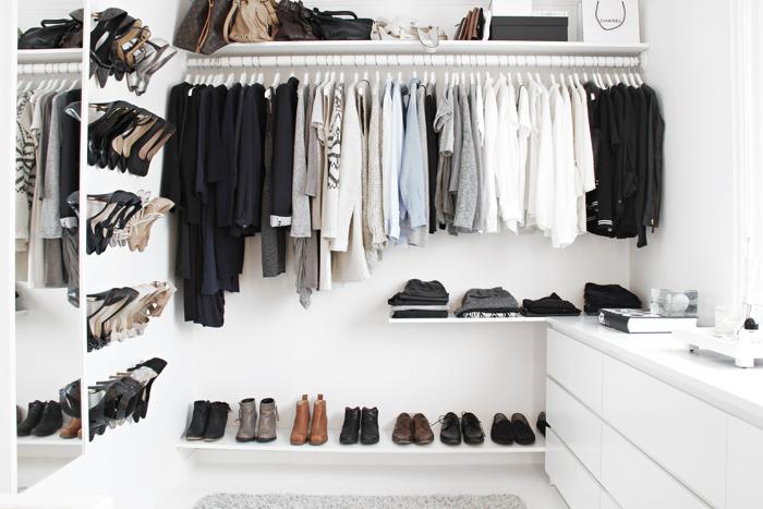 Mensole Per Cabina Armadio Ikea : Via vinci cabina armadio ikea minimal black and white