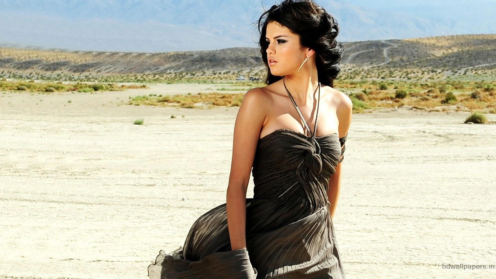 Selena Gomez Singer